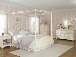 classic canopy bedroom sets ideas image of traditional cedar log canopy bed bedroom set