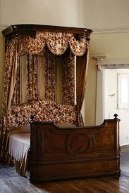 Victorian Furniture Bedroom by 450 Best Victorian Decor Images On Pinterest Victorian Decor