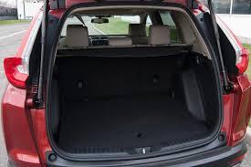 Honda Crv Interior Dimensions Comparison Test 2017 Honda Cr V Vs 2017 Toyota Rav4 Ny Daily News