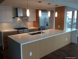 meuble haut cuisine laqué meuble de cuisine blanc laqu une cuisine blanche avec de petites