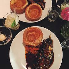 Seeking Dinner Stella S Wardrobe The Best Roast In 100 Hoxton