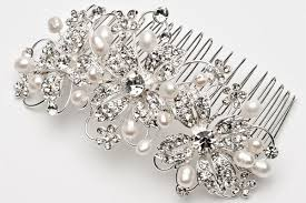 bridal hair combs how to choose the right bridal accessories creme de la