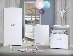 chambre bébé avec lit évolutif chambre avec lit combiné évolutif gris et blanc leaf lestendances fr