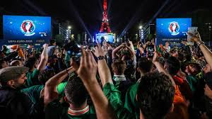Flags That Are Orange White And Green Euro 2016 Irish Fans Try To Turn Eiffel Tower Green White And Orange