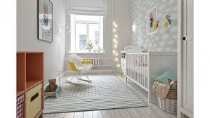 chambre bébé grise et blanche deco chambre bebe jaune et gris mobilier décoration