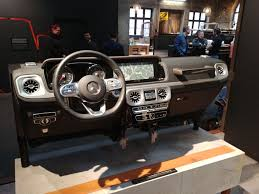 mercedes benz g class interior mercedes benz refines new g class interior goauto