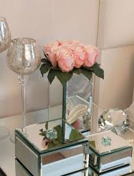 Mirrored Cube Vases Roses In A Tall Mirrored Cube Pale Pink Rtfact Artificial