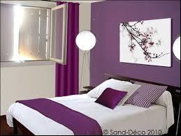 chambre violet et blanc chambre parme et blanc idées de décoration capreol us