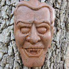 face in the trees halloween decor diy morena u0027s corner