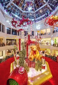 santa s arrival at aventura mall aventura mall
