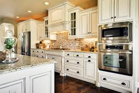 trendy kitchen decorating idea using antique white kitchen