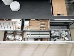 accesoir cuisine magasin de placard rangements cuisine dressing accessoires cuisine