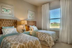 Window Designs For Bedrooms Guest Bedroom Decorating Ideas And Tips To Design One