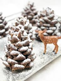 pine cone table decorations 21 pine cone crafts ideas for pinecone christmas decorations
