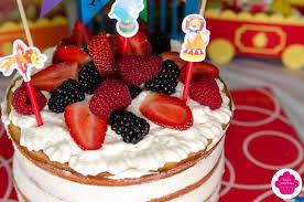 decoration cupcake anniversaire emilie sweetness décoration et gâteau d u0027anniversaire 2 ans