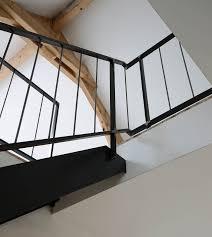 escalier peint en gris yves deneyer menuiserie métallique ferronnerie