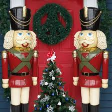 Nutcracker Christmas Tree Ornaments Uk by This Christmas Nutcracker King Is Great Larger Than Life What A