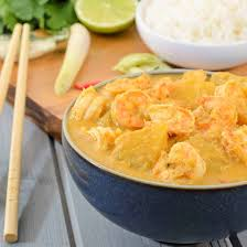 cuisiner la lotte à la poele recette lotte et crevettes au curry