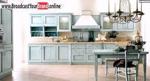 wohnideen landhaus küche hellblau vintage kronleuchter kerzen - K Che Hellblau