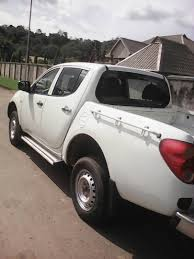 mitsubishi white mitsubishi l200 2009 white for sale