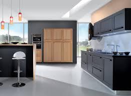 cuisine noir et rouge cuisine bois noir cuisine en l cuisine en bois massif cuisine