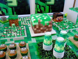 Minecraft Table Decorations Kara U0027s Party Ideas Cake Table From A Minecraft Birthday Party Via