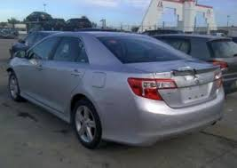 2013 toyota camry se sedan export salvage 2013 toyota camry se silver on black