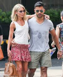 kelly ripa children pictures 2014 kelly ripa and husband mark consuelos looking loved up in nyc 7 19