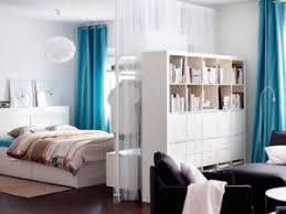 comment cr馥r une chambre dans un salon séparer habilement une chambre dans un studio par carnet deco