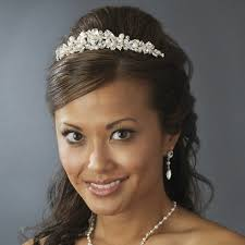 bridal tiaras wedding tiaras and hair combs how to choose the right one
