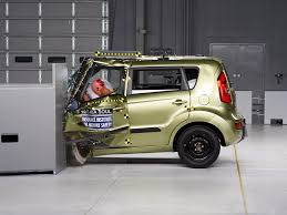 kia cube 2013 kia soul driver side small overlap iihs crash test youtube