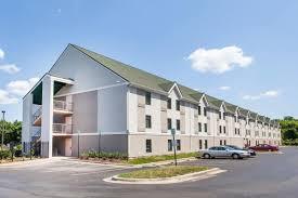 Hotels Near Six Flags Springfield Ma Days Inn Lanham Washington D C Lanham Hotels Md 20706