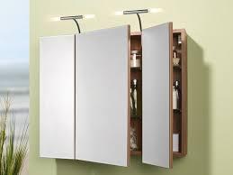 badezimmer spiegelschrank mit licht spiegelschrank badmoebel badezimmer spiegel beleuc abkühlen