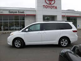van toyota 2017 toyota sienna le mini van vehicle for sale in calgary