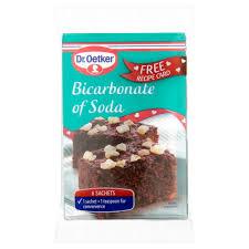 bicarbonate en cuisine dr oetker bicarbonate of soda 6 sachets 42g tesco groceries
