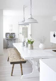 banc cuisine pas cher parquet cuisine blanche banc en bois brut table et banc dans la