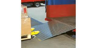 pedana di carico pedane di carico manuali assa abloy assa abloy entrance systems