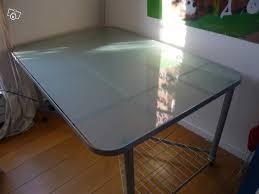bureau ikea verre et alu bureau metal et verre maison design wiblia com