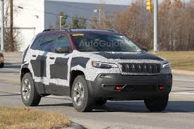 cool jeep cherokee 2019 jeep cherokee trailhawk spied with updated fascia autoguide