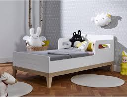 lit chambre enfant lit bébé évolutif evidence 70x140 lit bebe petits lits et lit