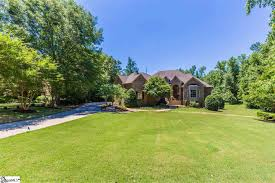 homes for sale with a one acre lot in simpsonville