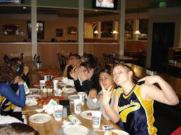 round table lincoln san jose lincoln jv softball 2007 lions share laughs bond eat pizza
