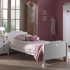 chambre en bois blanc lit pour fille en bois blanc une deco chambre 90x190 conforama