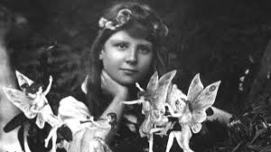 the cottingley fairy hoax of 1917 is a case study in how smart