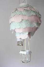 heißluftballon kinderzimmer diy anleitung heißluftballon le fürs kinderzimmer