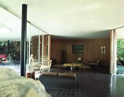casa siege social parte de roca y sala en nivel superior de casa das canoas río