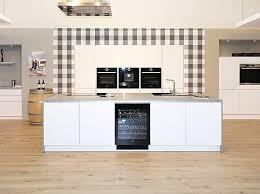 deckenlüfter küche schüller musterküche überragend ausgestattete luxus küche weiß