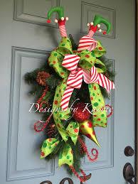 elf feet christmas wreath designs by karrie pinterest elves