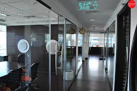 Interior Partitions Office Interiors With Glass Partitions Interiordecorationdubai