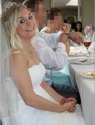 vendre sa robe de mariã e vend sa robe de mariée sur ebay pour payer seule les frais de